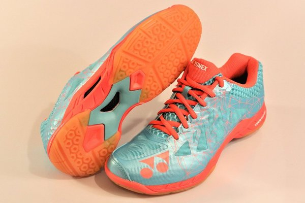 Yonex SHB-02 LX, women's indoor shoes