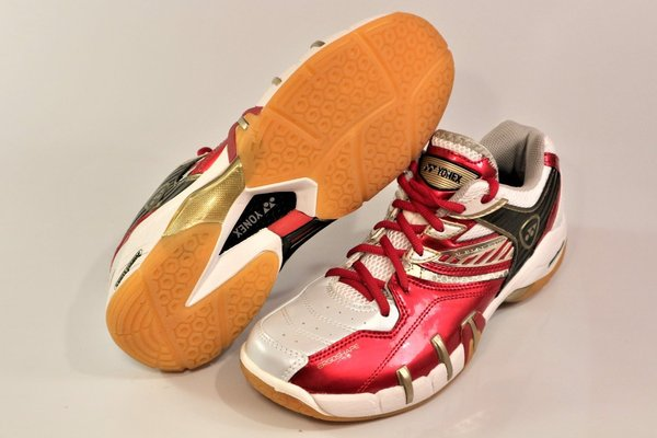 Yonex SHB-102 LTD, men's indoor shoes
